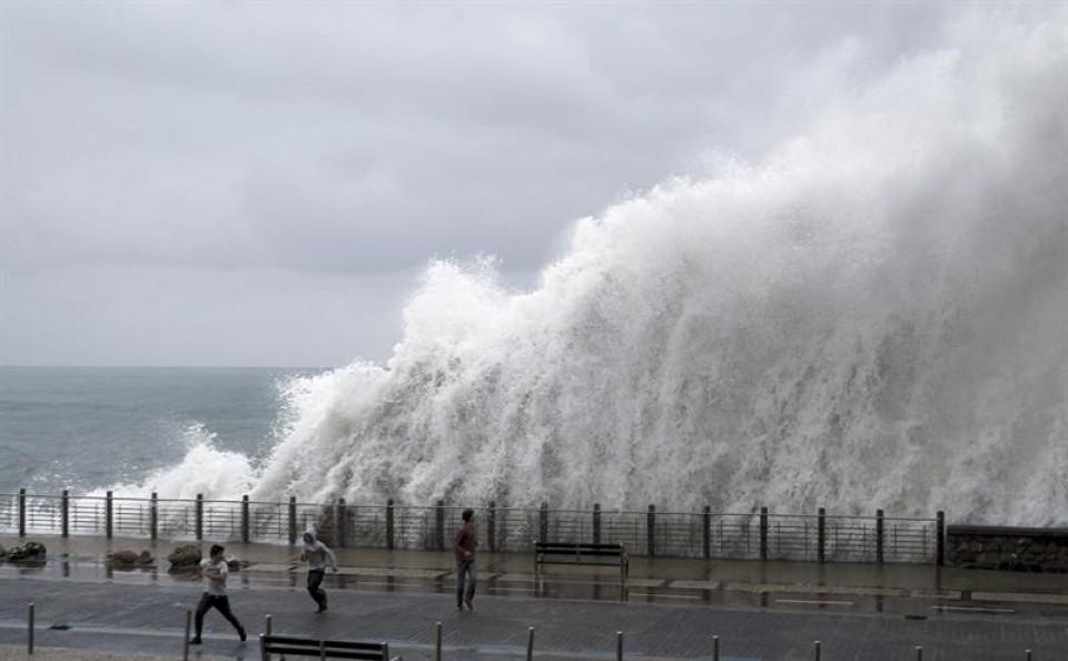 ¿cómo se produce un tsunami, (8)